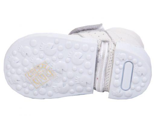 ПАТИКИ ЗА ПРООДУВАЊЕ Модел White Kegi Shoes