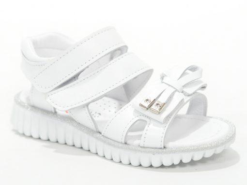 детски сандали, отворен модел- бела боја со машничка