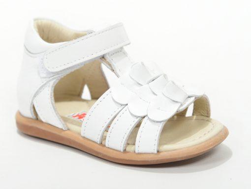 детски сандали, за девојчиња- отворен модел во бела боја