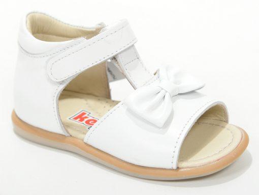 сандали за девојчиња, модел бела боја со машна